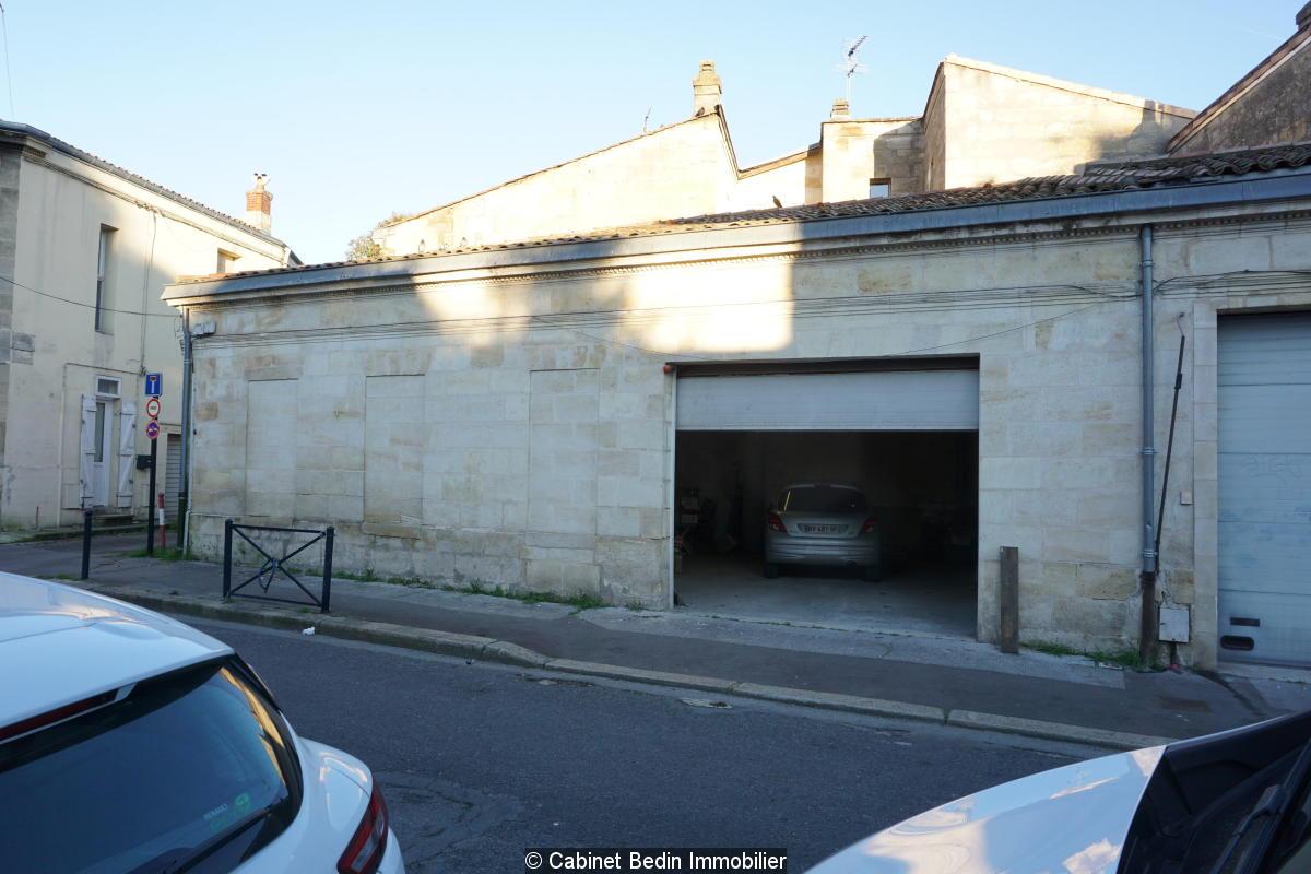Garage  92m² en pierre barriere de medoc