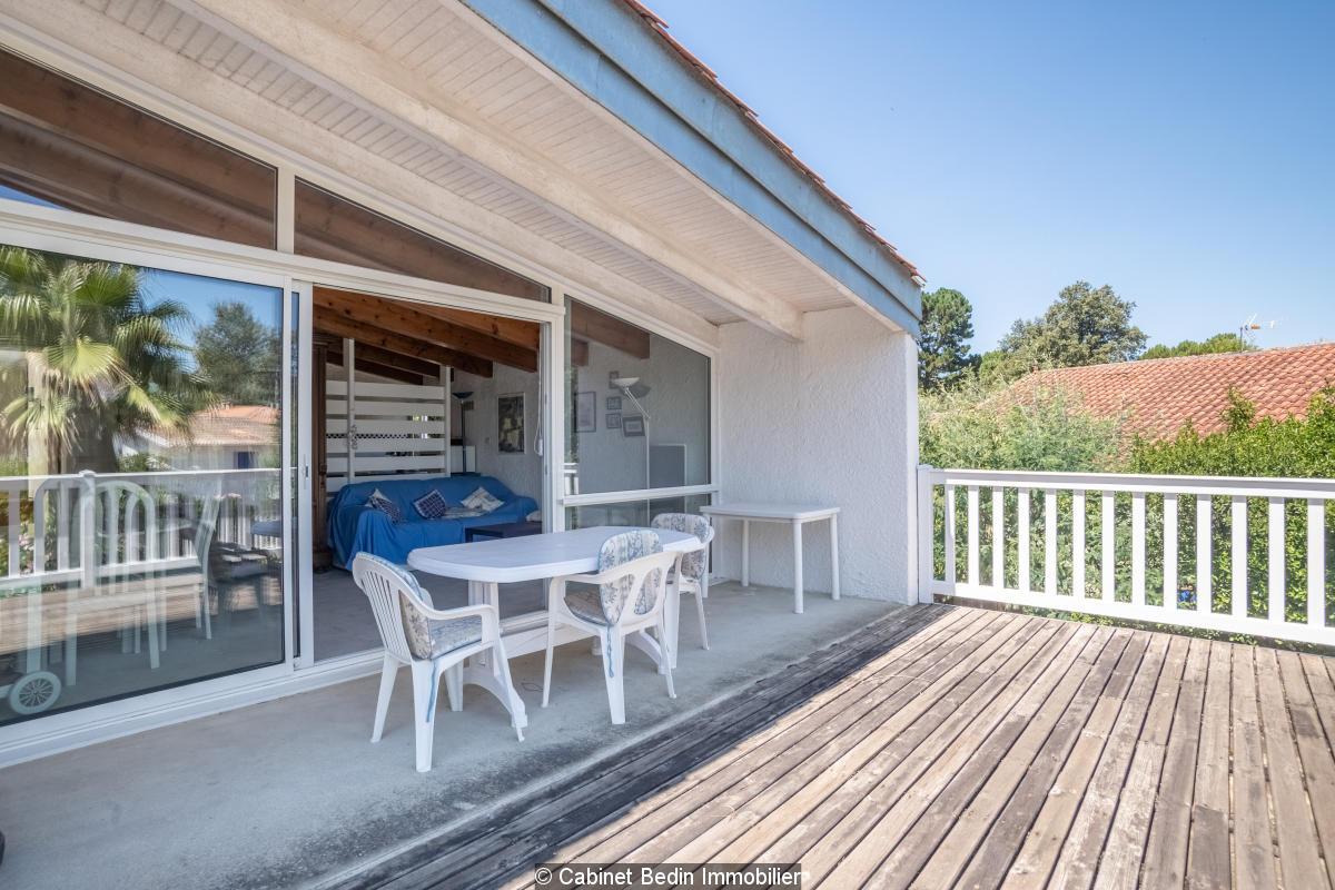 Appartement au calme avec belle  terrasse