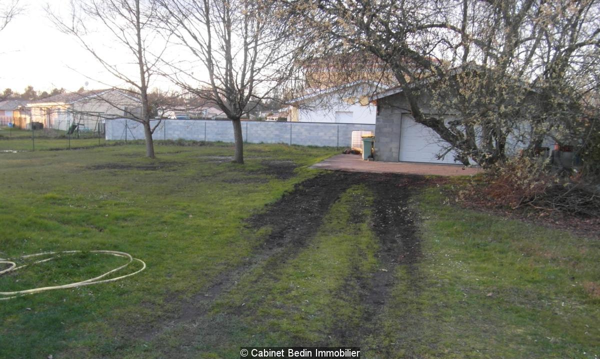 Sainte helene grand garage sur un terrain de 500m²