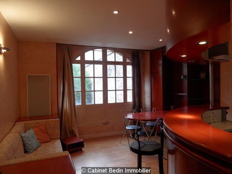 location appartement toulouse t2 1 chambre appartement t2 dans joli immeuble ancien en brique. Black Bedroom Furniture Sets. Home Design Ideas